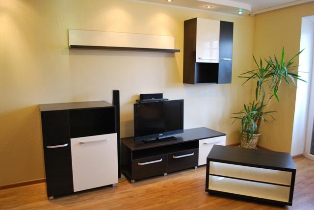lova, spinta, komoda, sekcija, prieskambaris, biblioteka, rasomasis stalas